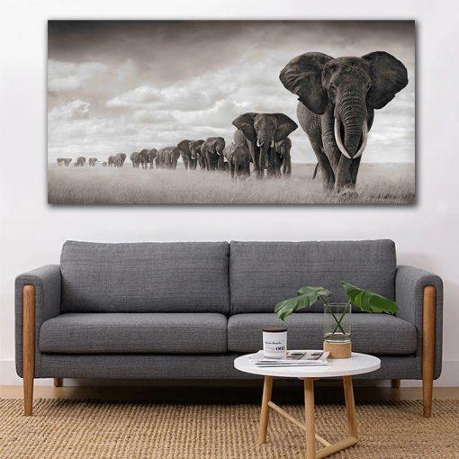 tableau noir et blanc avec éléphant