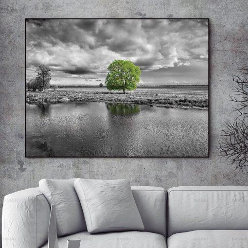tableau noir et blanc arbre vert